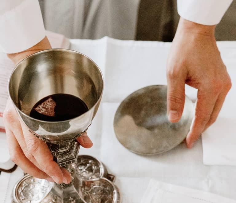 Residencia Matacas servicio de eucaristia